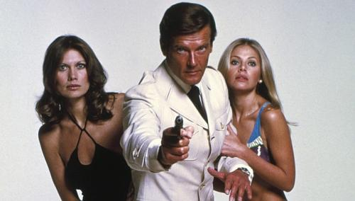 The Man With the Golden Gun (1974) 4