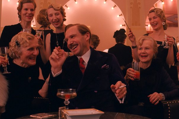 Ralph-Fiennes-Grand-Budapest-Hotel_gallery_primary