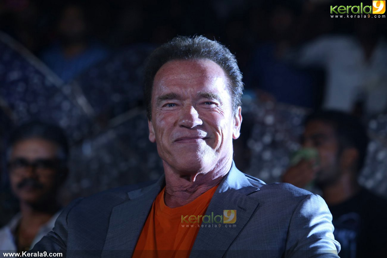 arnold-schwarzenegger-at-i-tamil-movie-audio-launch-photos-0019