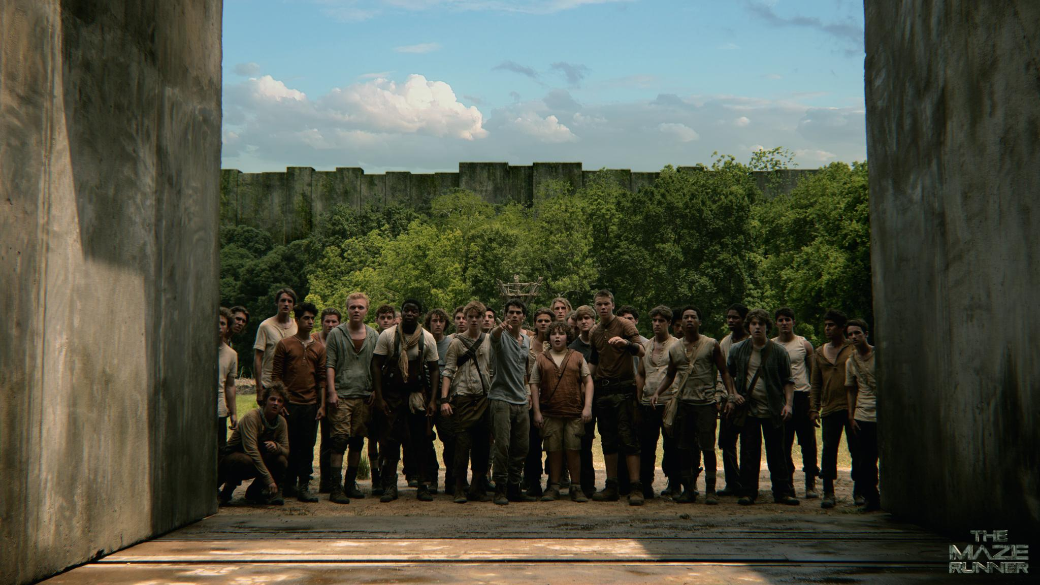 still-of-thomas-brodie-sangster,-will-poulter-and-dylan-obrien-in-the-maze-runner-(2014)-large-picture