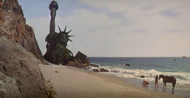 Planet-of-the-Apes-Statue-of-Liberty